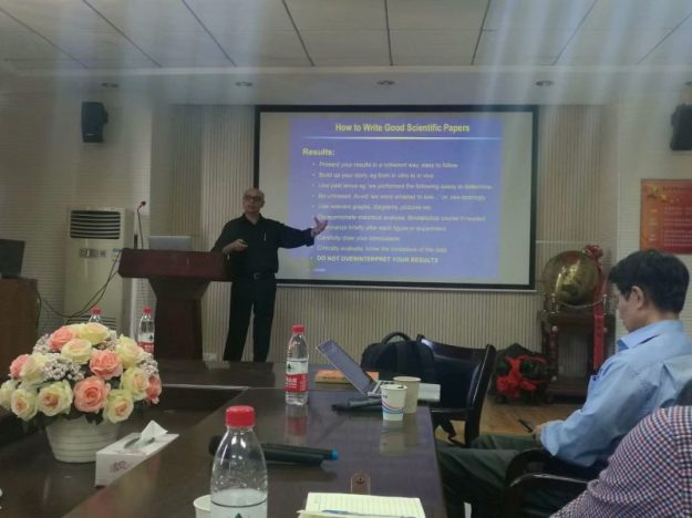 Class on 'How to write good scientific papers', Wenzhou University