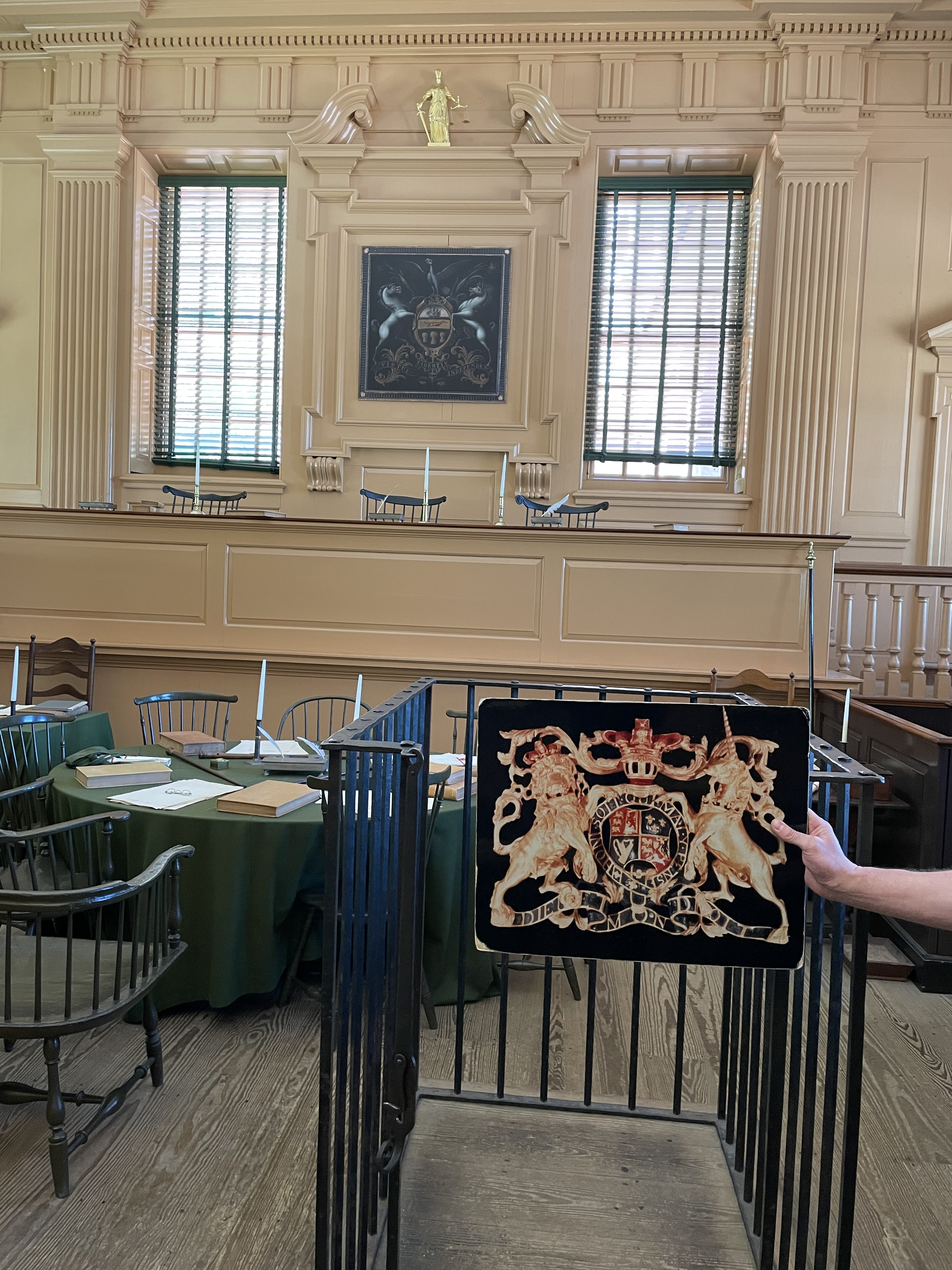 British court of arms and that of Pennsylvania in Court Room of Independence Hall