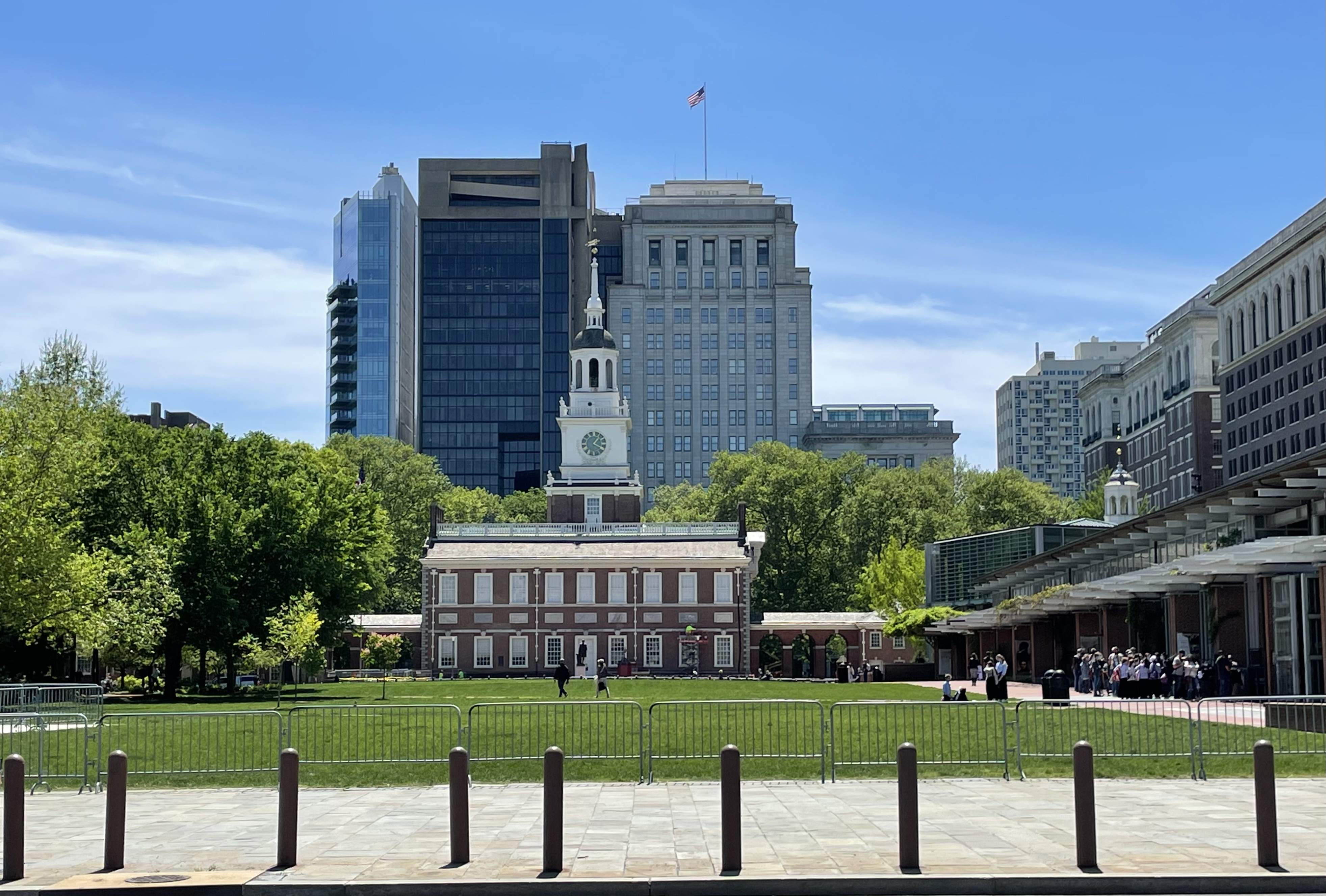 The long line to view The Liberty Bell, Independence Hall, Philadelphia
