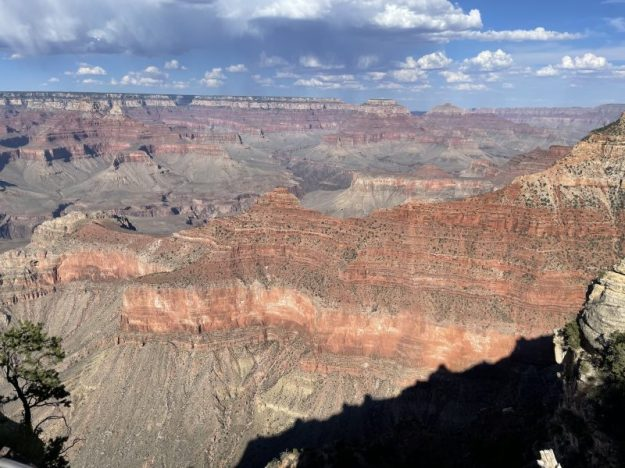 Different colors in the Grand Canyon walls